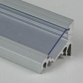 profil CORNER10 s čirým nasouvacím difuzorem